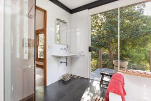A bathroom at Luxury Private Suite in The Dandenongs