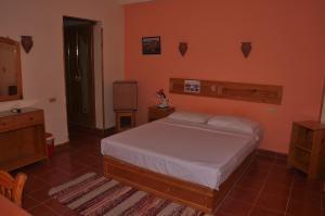 Ali Baba Safaga Hotelにあるベッド