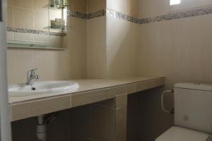 A bathroom at Residence Sanaga