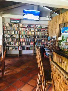 De bibliotheek in het pension