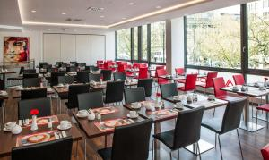 A restaurant or other place to eat at Best Western Plus Plaza Berlin Kurfürstendamm