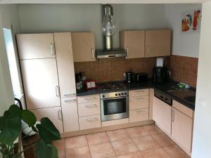 Küche/Küchenzeile in der Unterkunft Ferienwohnung Heinerland