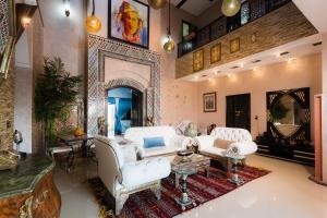 A seating area at Jnanat Aicha Guesthouse