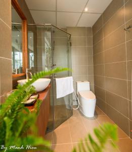 A bathroom at Mojzo Inn