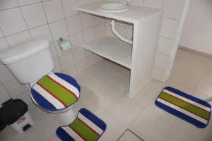 A bathroom at Mandala Apt 2 Maracajaú