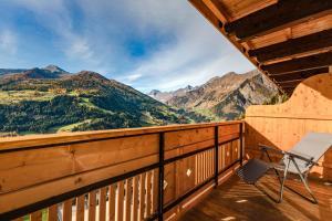 A balcony or terrace at Hotel Kronhof