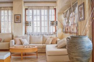Χώρος καθιστικού στο Cavos Bay Hotel & Studios