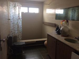 A bathroom at Casa Beira-Mar Itamaracá