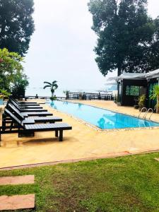 The swimming pool at or close to Krabi Tropical Beach