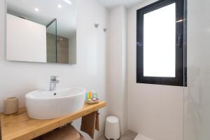 A bathroom at B´SLOW San Agustín