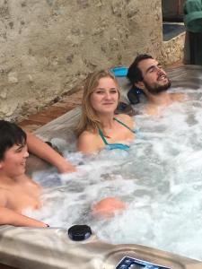 Guests staying at Ferme Historique Jean De La Fontaine