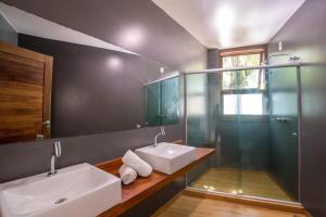 A bathroom at Pousada Sambass