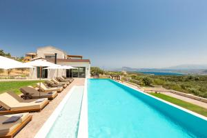 The swimming pool at or close to Elements Villa