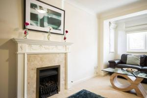 A television and/or entertainment center at Spacious House, Sleeps 7 people