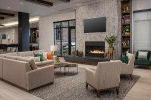 A seating area at Residence Inn By Marriott Bend