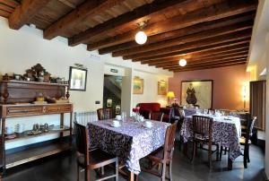 A restaurant or other place to eat at Hotel-Hospedería los Templarios