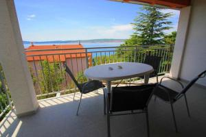 A balcony or terrace at Apartments Sonne