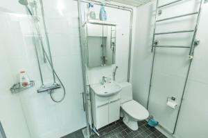 Ванная комната в Oulu Hotelli Apartments