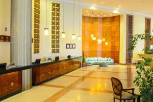 De lobby of receptie bij Pyramisa Beach Resort Sharm El Sheikh