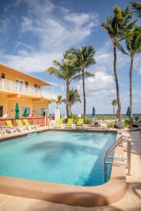 The swimming pool at or near Windjammer Resort and Beach Club