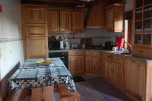 A kitchen or kitchenette at Casas do Trabulo