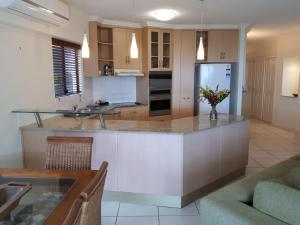 A kitchen or kitchenette at Meridien at Trinity