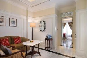 A seating area at The Hermitage, A Tribute Portfolio Hotel, Jakarta