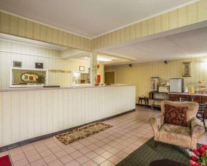 The lobby or reception area at Econo Lodge Inn & Suites Lugoff
