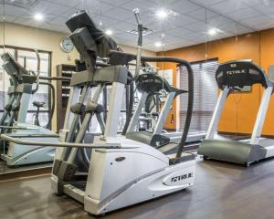 The fitness center and/or fitness facilities at Comfort Suites Cicero - Syracuse North
