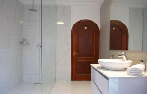 Vonios kambarys apgyvendinimo įstaigoje Bayview Penthouses