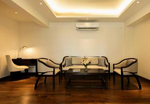 A seating area at Lavonca Boutique Hotel
