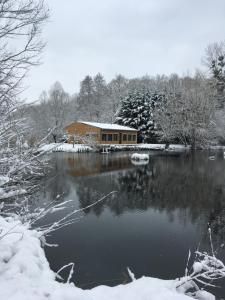 La cabane du pont du Douet v zimě