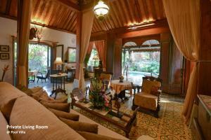 A seating area at Ubud Syailendra Villas