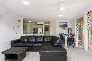 A seating area at 3/60 Lawson Street ,Byron Bay- Seabreeze