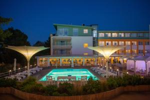The swimming pool at or near Hotel Bryza Resort & Spa