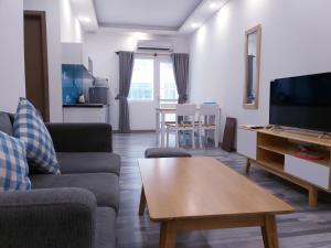 A seating area at Dolphin Nha Trang Apartment