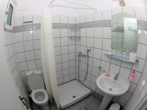 A bathroom at Villa Marina