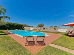 The swimming pool at or near Lovely Child-friendly Villa with Swimming Pool in Cinisi
