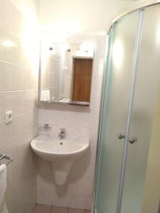 A bathroom at OAZA hotel
