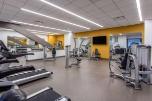The fitness centre and/or fitness facilities at Cambria Hotel Philadelphia Downtown Center City