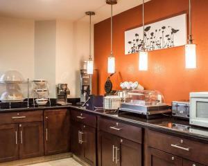 A kitchen or kitchenette at Sleep Inn Arlington Near Six Flags