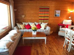 A seating area at Secret Lake Cottage