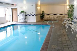 The swimming pool at or near Comfort Inn Central University South