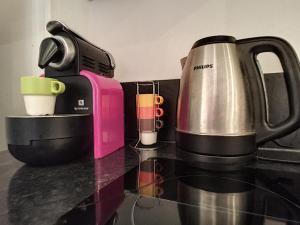 Coffee and tea-making facilities at Nestor&Jeeves - NOE - Central - Close sea - Spacious