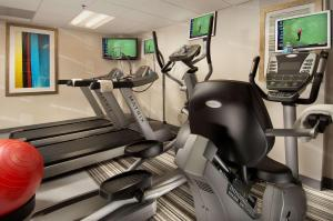The fitness center and/or fitness facilities at Comfort Inn Downtown DC/Convention Center