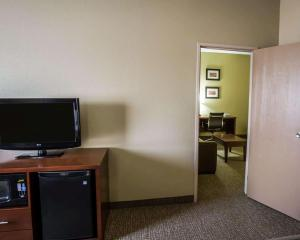 A television and/or entertainment center at Comfort Inn Morris I-80