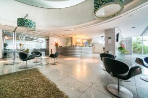 The lobby or reception area at RAD2704 Wonderful oceanfront flat in Boa Viagem