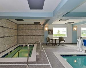 The swimming pool at or near Comfort Inn & Suites Springfield I-55