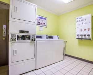 A kitchen or kitchenette at Quality Inn Airport