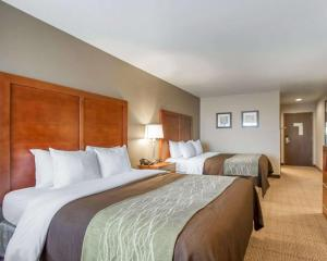 A bed or beds in a room at Comfort Inn Bolivar